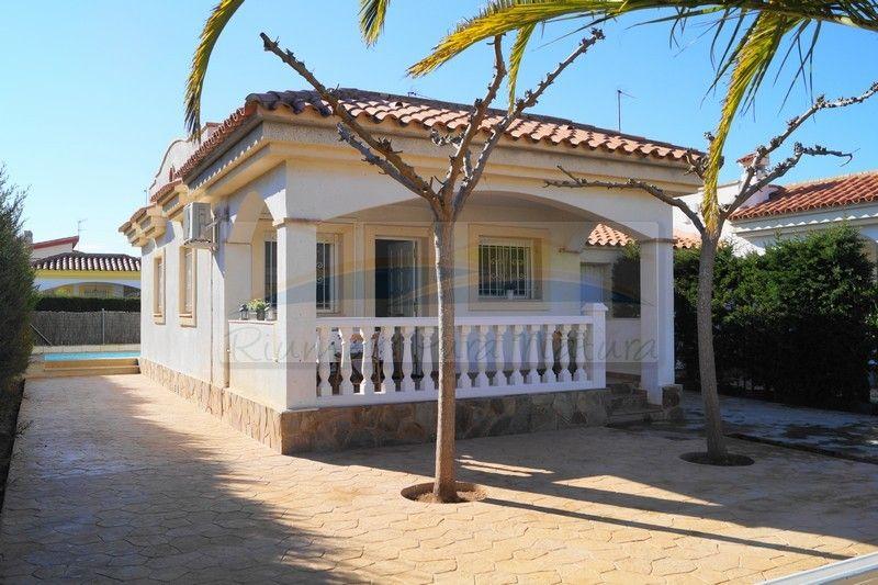 Chalet L'Alfacada. Alquiler de casas y chalets en Riumar, Deltebre, delta del Ebro - 0