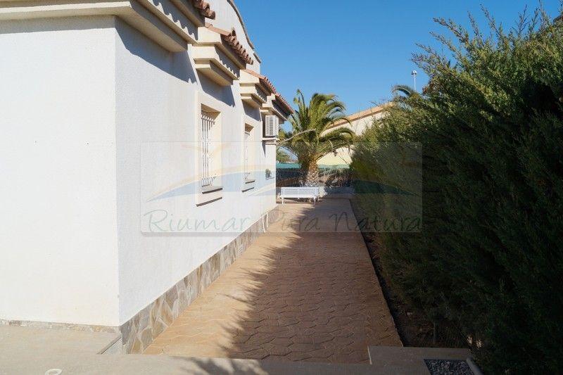 Villa L'Alfacada. Rent of houses and villas in Riumar, Deltebre, the Ebro Delta - 15
