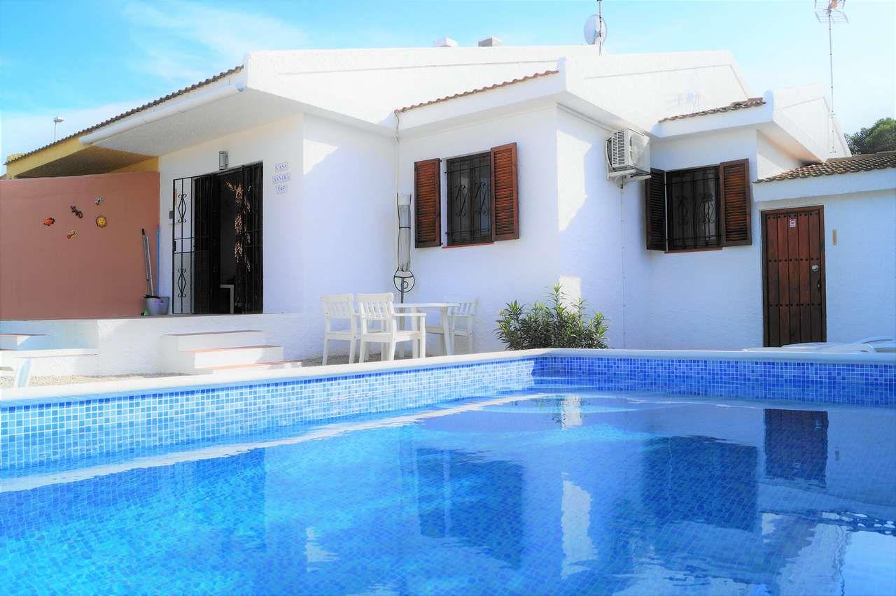 Chalet Annika. Vermietung von Chalets, Häusern, Wohnungen und Appartments in Riumar, Deltebre, Ebrodelta - 0